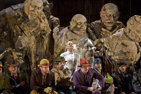 The Metropolitan Opera, New York: Philip Glass, Satyagraha, dir. Dante Anzolini, red. Phelim McDermott, foto: Ken Howard / Metropolitan Opera
